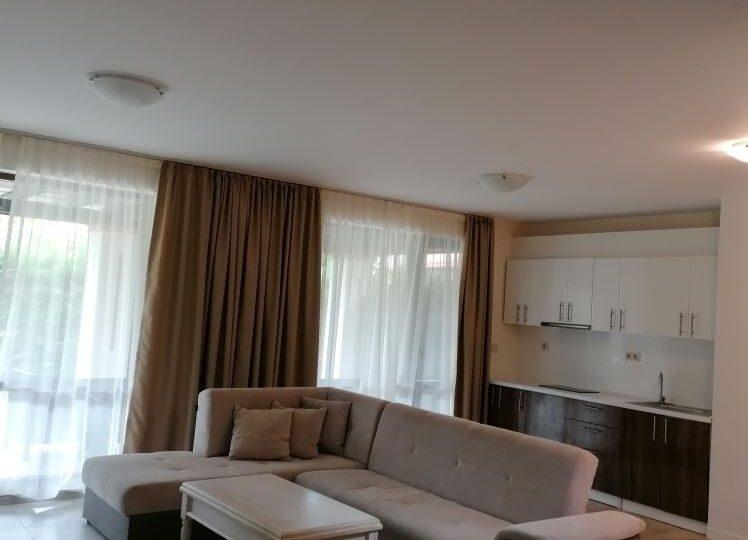 Нова обзаведена къща за продажба в комплекс на плаж Каваци