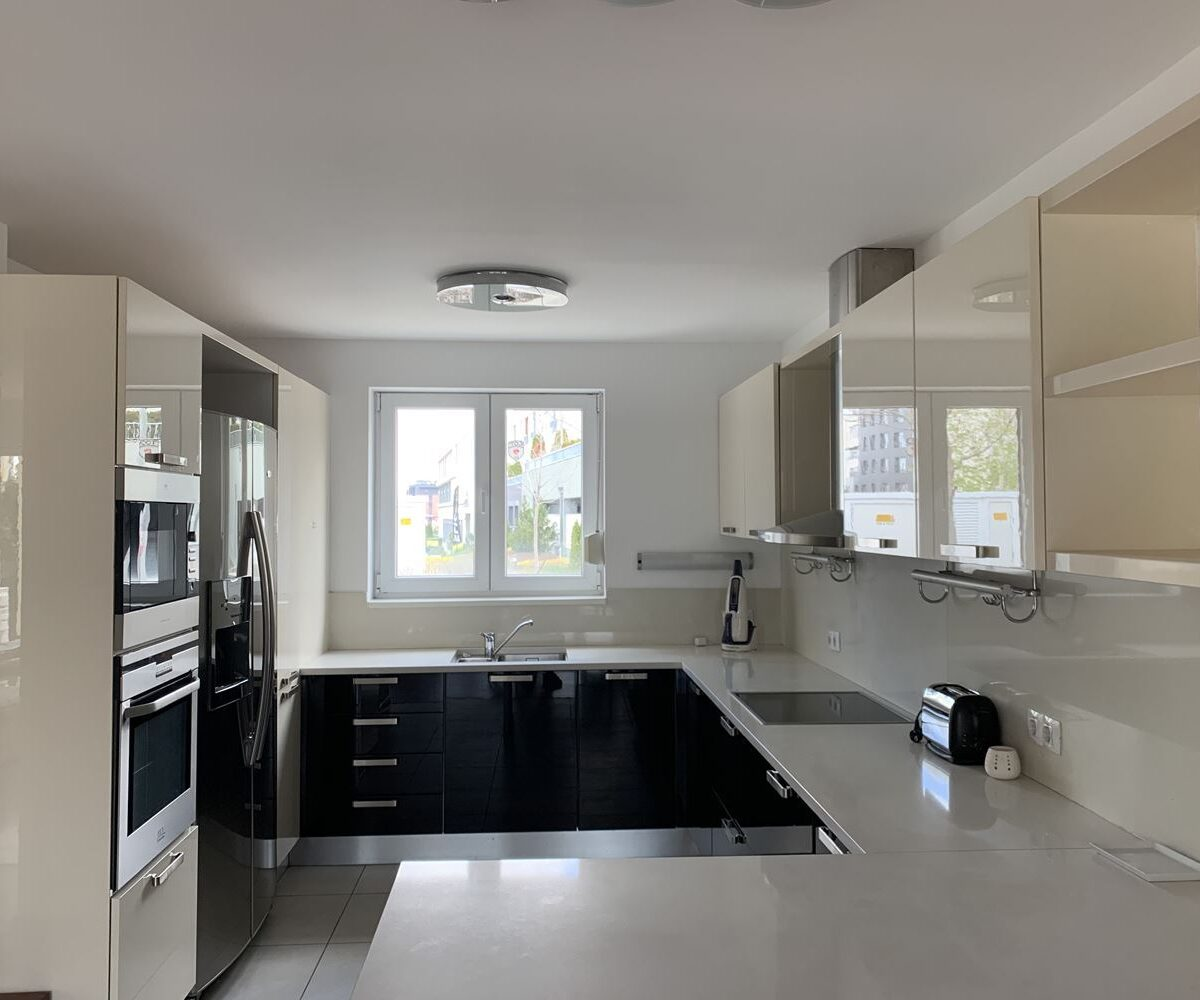 Luxury detached house for rent in Residential park Sofia