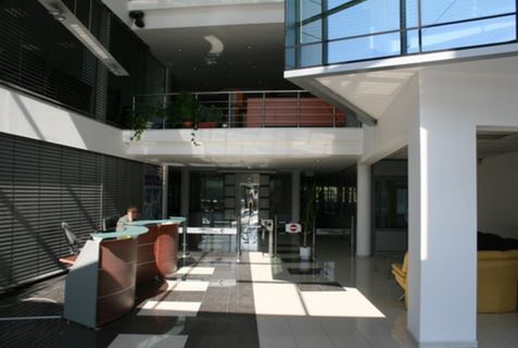 Office building for sale close to the metrostation