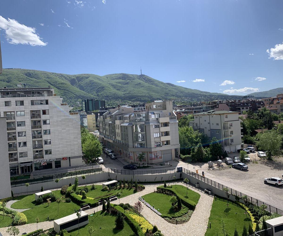 Тристаен апартамент за продажба в луксозна нова сграда на бул.България